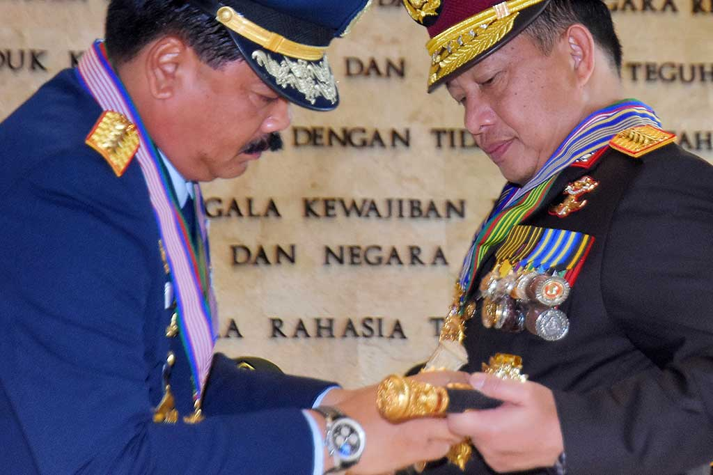 Kapolri Terima Bintang Kehormatan dari 3 Matra TNI