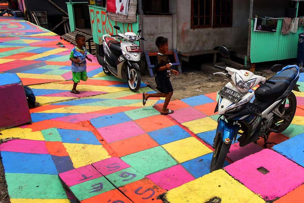 Kampung Warna-Warni Kamal Muara