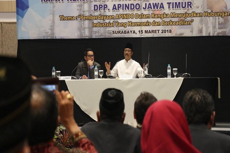 Cagub Jatim Saifullah Yusuf alias Gus Ipul saat berbicara di hadapan ratusan pengusaha dalam Rapat Kerja Asosiasi Pengusaha Indonesia (Apindo) Jatim, Kamis 15 Maret 2018, Medcom.id - Amal