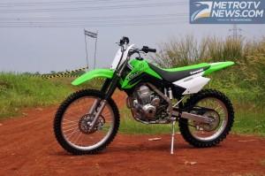Kawasaki KLX 150 'Bantai' Penjualan Honda CRF 150
