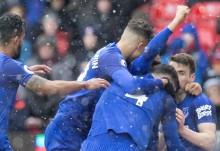 Everton Curi Poin di Markas Stoke City