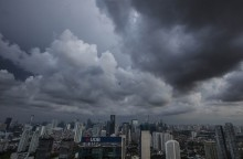Akhir Pekan, Sebagian Wilayah Jakarta Diguyur Hujan