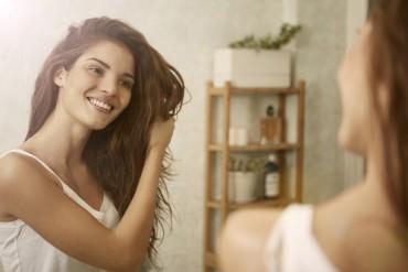 Tips agar Rambut Tak Kusut setelah Keramas