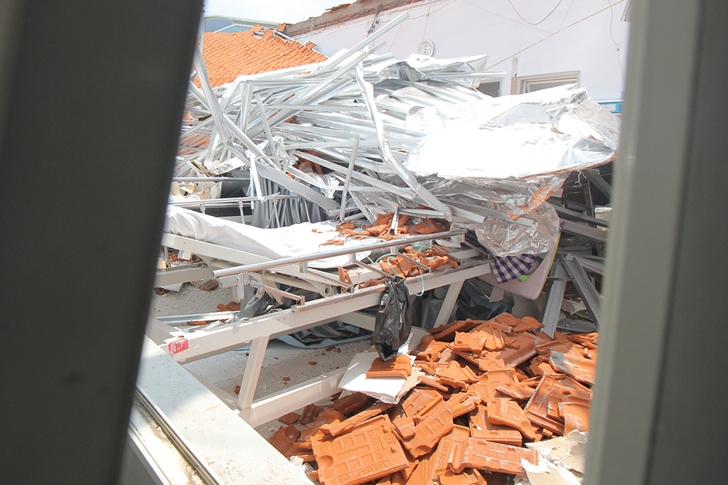 Atap Ruangan RSAL Surabaya Ambruk, Empat Orang Terluka