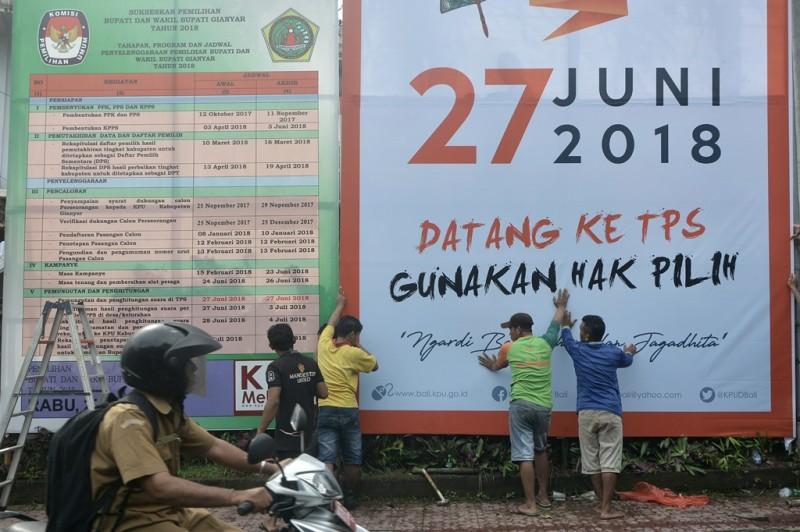 Alat peraga sosialisasi Pilkada Bali. (ANT/Fikri Yusuf)