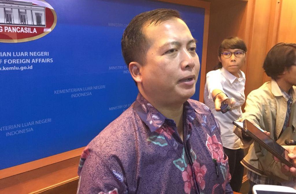 Direktur Perlindungan WNI dan Badan Hukum Indonesia Kementerian Luar Negeri RI Lalu Muhamad Iqbal. (Foto: Sonya Michaella).