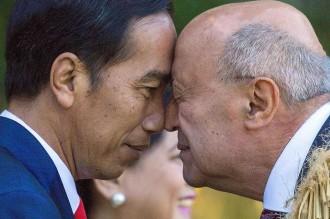 Saat Jokowi Disambut Salam Hongi dari Suku Maori