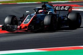 Prediksi Hamilton soal Kuda Hitam F1 Musim 2018