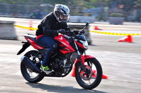 Duel Sport Bike 150 cc, Honda Ungguli Yamaha