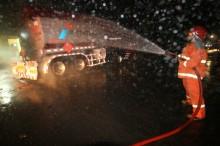 Truk Pengangkut BBM Terbakar di Ruas Tol Merak