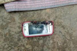 Ledakan Nokia 5233 Tewaskan Remaja