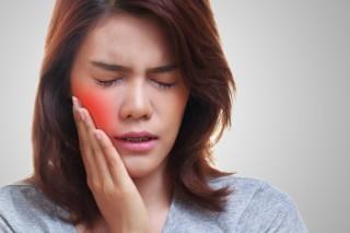 5 Bahan Alami untuk Meredakan Ngilu Akibat Gigi Sensitif