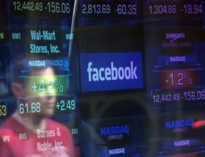 Cambridge Analytica Suspends CEO over Facebook Scandal