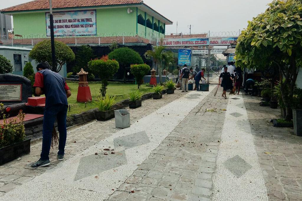 Suasana Lapas Cirebon Pascakerusuhan