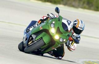 Kawasaki Ninja H2 vs ZX-14, Adu Performa di Mesin Dyno