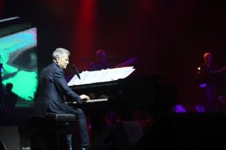 Konser Hitman: David Foster and Friends di Surabaya Penuh