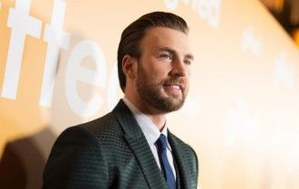 Chris Evans Bersiap Pensiun dari Film Marvel