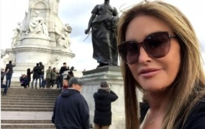Caitlyn Jenner Peringatkan Pentingnya Penggunaan Tabir Surya