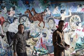 Momen Jokowi <i>Tour</i> Lukisan di Kantor Pratikno