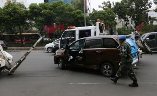 Anggota DPRD Jakarta Mencak-mencak Mobilnya Diderek
