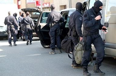 Macron Puji Keberanian Polisi yang Rela Jadi Sandera