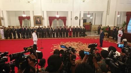 Jokowi Lantik Wagub Kepri