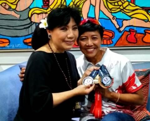 Anne Avantie dan Dedeh Erawati Saling Memuji Prestasi