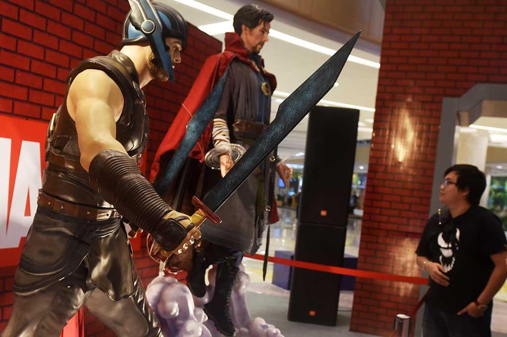 5 Superhero Marvel Nongkrong di Tunjungan Plaza Surabaya