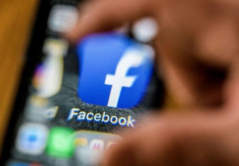 Facing Outcry over Data Breach, Facebook again Overhauls Privacy Settings