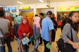 73 TKI yang Bermasalah di Malaysia Tiba di Tanah Air