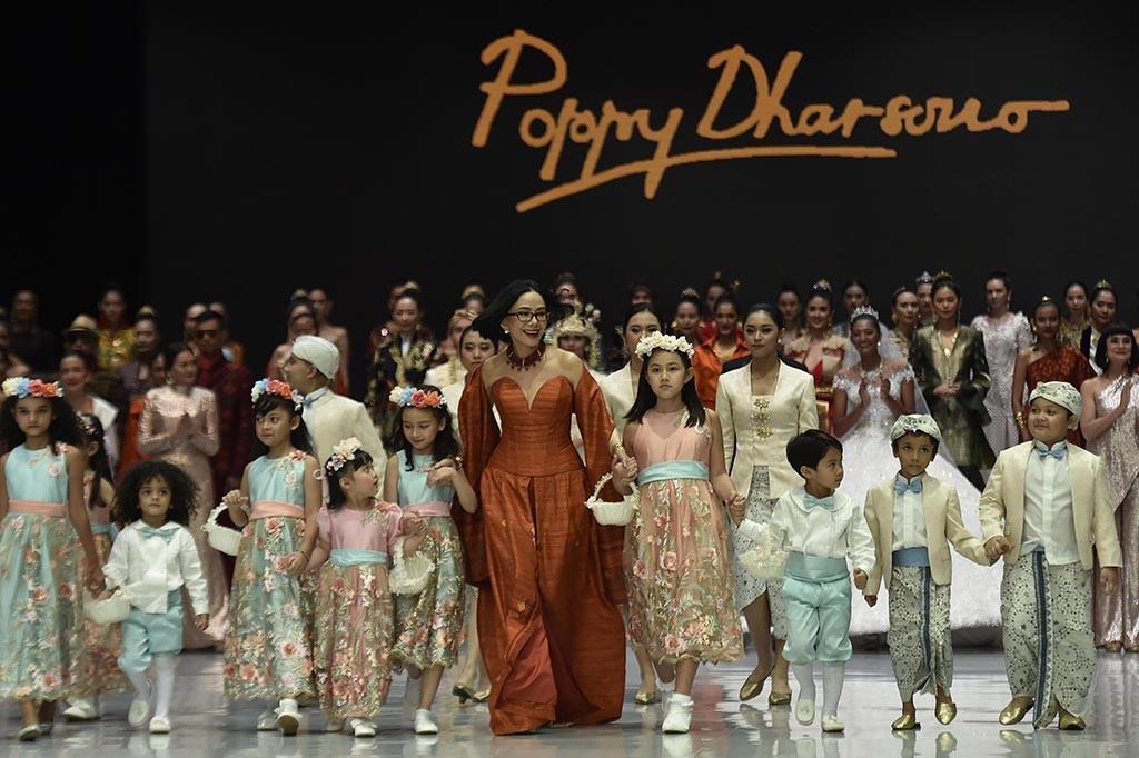 Gelaran Show 40 Tahun Poppy Dharsono Tutup IFW 2018