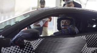 Valentino Rossi Kembali Jajal Mobil Ferrari
