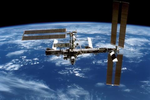 SpaceX Gunakan Roket Bekas untuk Kirim Suplai ke ISS