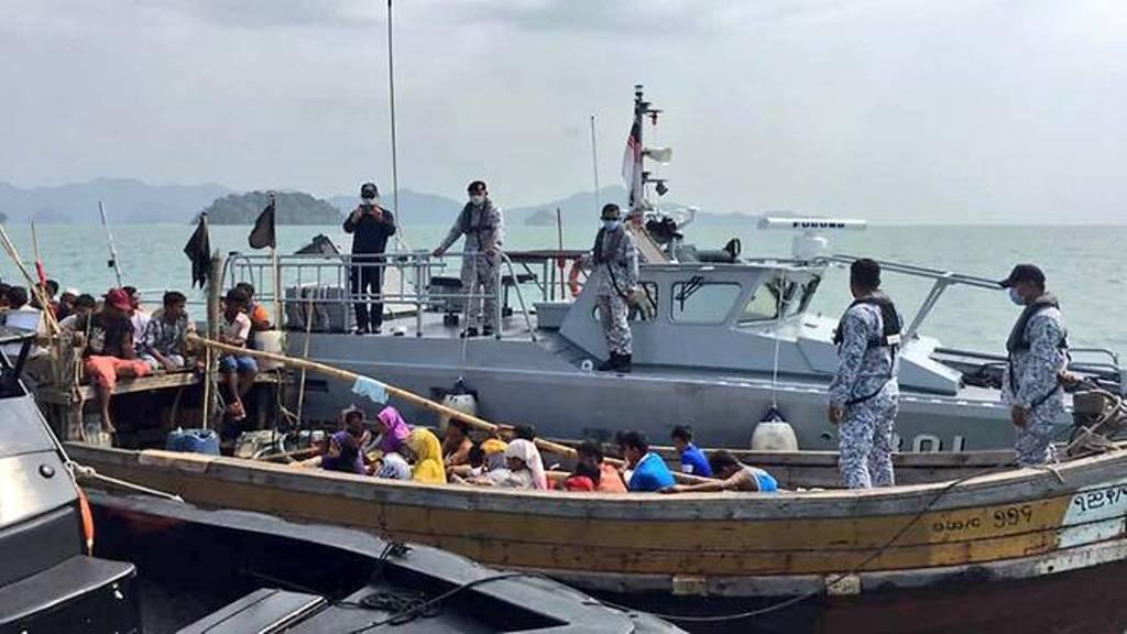 Kapal berisi pengungsi Rohingya. (Foto: Royal Malaysian Navy, Naval HQ region 3)