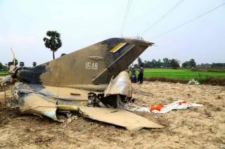 Pesawat Jet Myanmar Jatuh ke Sawah, Pilot Tewas