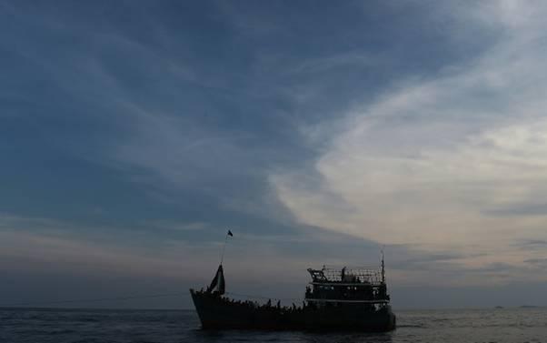 Kapal yang mengangkut pengungsi Rohingya. (Foto: AFP)