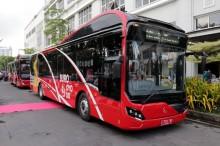 Risma Luncurkan Bus Suroboyo