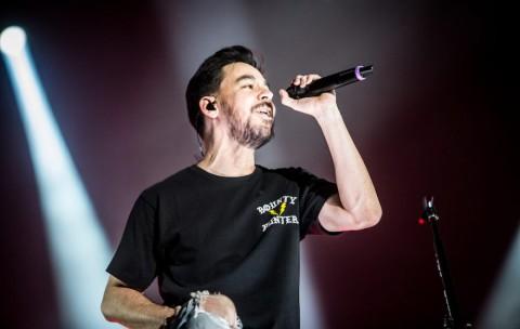 Mike Shinoda Berjuang Atasi Duka Kehilangan Chester Bennington