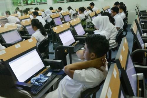 Ilustrasi ujian nasional berbasis komputer. Foto MI Susanto