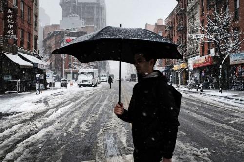 Badai salju masih melanda wilayah Amerika Serikat. (Foto: AFP)