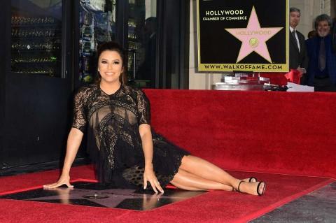 Eva Longoria Peroleh Bintang di Hollywood Walk of Fame