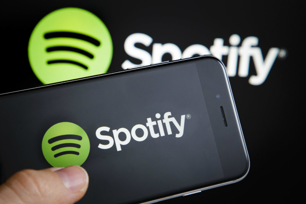 Undangan yang digulirkan Spotify mengindikasikan perubahan besar yang dihadirkannya pada layanan versi gratis dan aplikasi mobile.