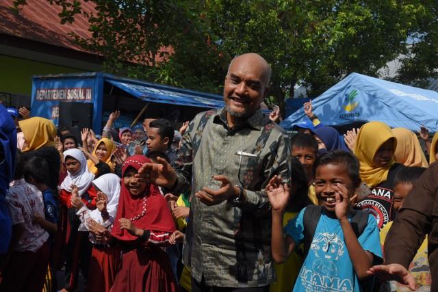 Wakil Ketua Komisi VIII DPR RI Marwan Dasopang yang memimpin Kunjungan Kerja Komisi VIII ke Kampung Siaga Bencana, di Desa Panakukkang, Kabupaten Gowa, Sulawesi Selatan (Foto:Dok.DPR)