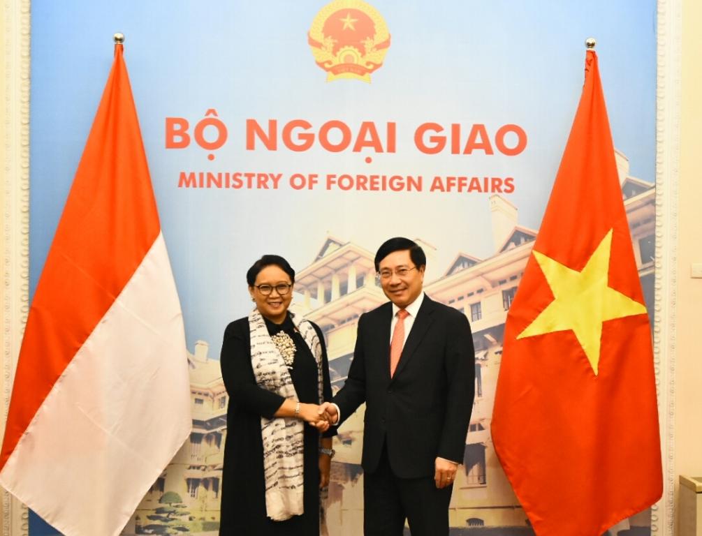 Menteri Luar Negeri RI Retno Marsudi dan Menteri Luar Negeri Vietnam Pham Binh Minh. (Foto: Dok Kemlu RI)
