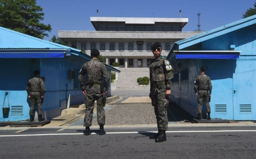 Pasukan Korea Selatan menjaga Zona Demiliterisasi (DMZ) (Foto: