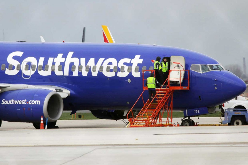 Mesin Meledak, Southwest Airlines Mendarat Darurat