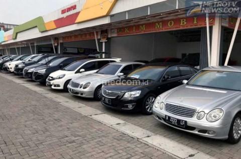 Jelang Lebaran, <i>Showroom</i> Mobil Bekas Perbanyak Stok MPV
