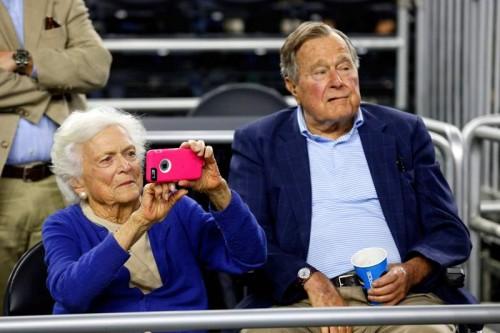 Mantan Ibu Negara AS Barbara Bush wafat pada Selasa, 17 April