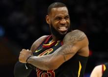 LeBron James Bantu Cavaliers Samakan Agregat