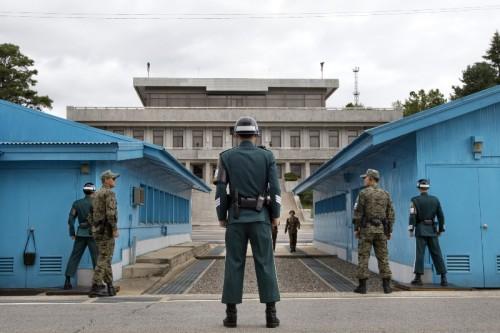 Korea Selatan dan Korea Utara terpisahkan oleh Zona